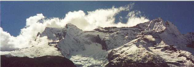 Mountains and clouds.jpg (18954 bytes)